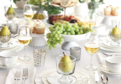 Comment créer une table élégante pour un dîner de 8 personnes ?